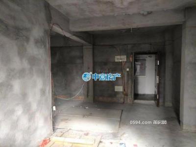 万达旁 莆糖安置房 毛坯的楼中楼 带个大露台 一平仅8600元-莆田二手房