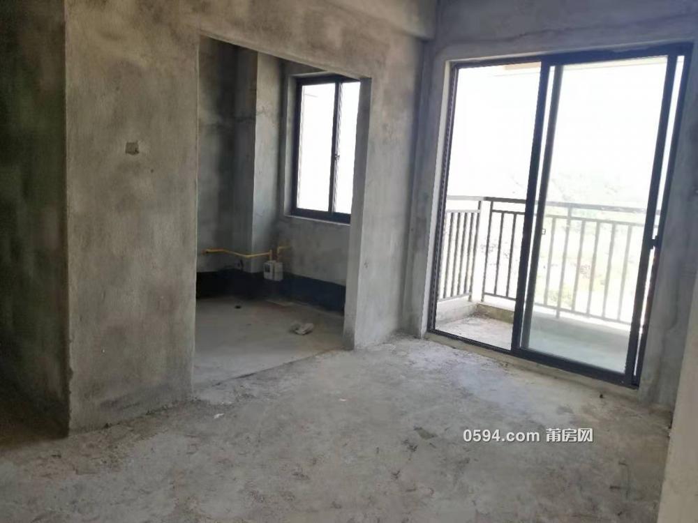 房东包过户费 骏欧龙盘楼王无遮挡 楼中楼5房+4阳台+大露台