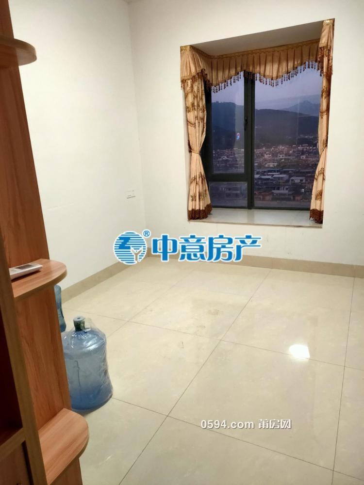 名邦豪苑 3房2廳2衛  南北通透  精裝修廳大月租4100