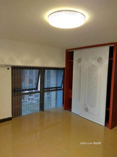 隆恒财富广场 复试两房 家电齐全 中低楼层 楼下就是沃尔玛-万博博彩官网租房