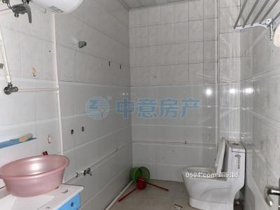 三信金鼎附近 鎮陽路  三房出租 147平方 只要2800元/月-莆田租房