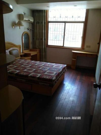 梅園西路937弄 豪裝4房3廳2衛2陽 大面積180 租金2800元/月-莆田租房
