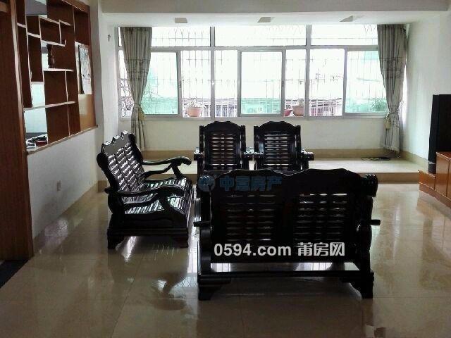 筱塘居委會學園南街4房出租僅2500