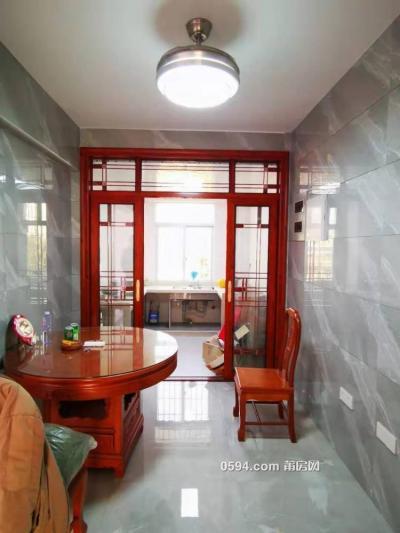 黄霞花园小区电梯房 4房2厅3卫 中档装修 卖6798-莆田二手房
