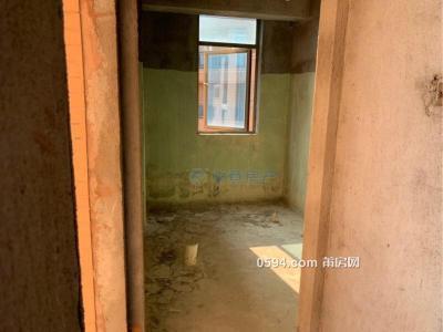 凤达滨河豪园高端小区楼中楼 五房大面积三面采光 证满两年-万博博彩官网二手房