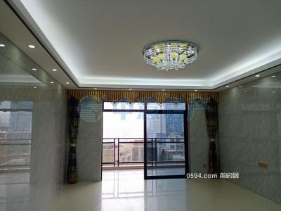 天九湾附近汉庭花园C区4房精装修 中层三面光只卖250万-莆田二手房