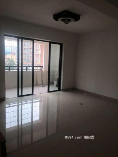 萬達對面 幸福家園 4房2廳精裝修 辦公居住都可以 4000元-莆田租房