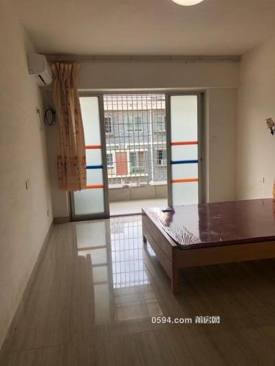 西山小区 3室2厅2卫临安福龙桥市场与兴安名城 价格适宜-莆田租房