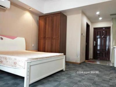 万达广场 商场楼上 单身公寓 欧式风格精装 配套齐全-万博博彩官网租房