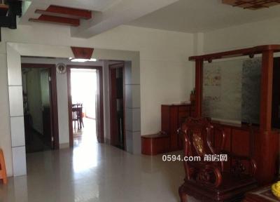房子位于正榮時代廣場旁 三室兩廳170平 月租僅2300-莆田租房