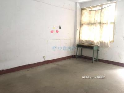 礪青中學對面 長壽小區大3房僅租1500元 實際是在2樓-莆田租房