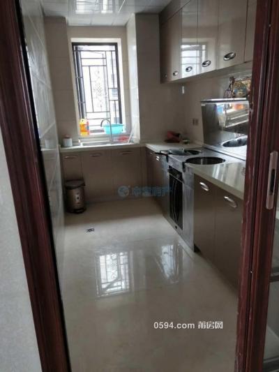 正榮財富4室2廳2衛新房出租4800一個月-莆田租房
