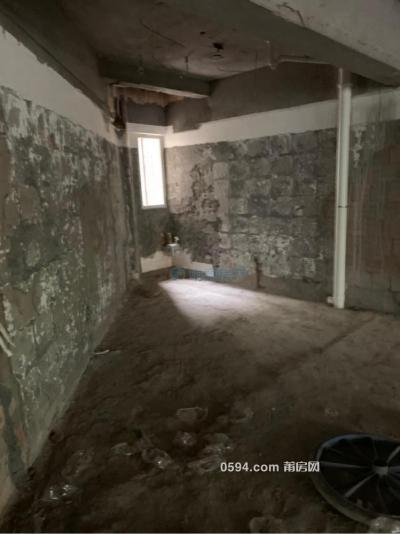 东园东路 3房2厅2卫  两证齐全满二 毛坯自主装修喜欢的风格-莆田二手房