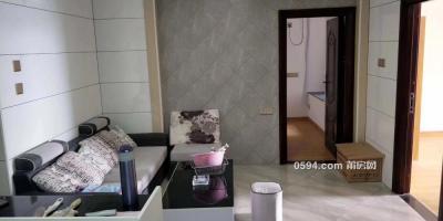 万达附近九龙小区  精装3房 采光好 家具齐全 有钥匙 随时看-莆田租房