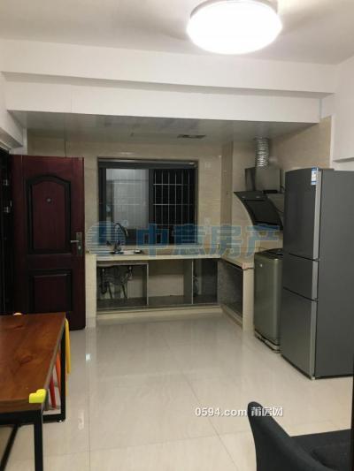 文獻新華書店旁邊 中裝1房1廳1位  租金1800元/月-莆田租房