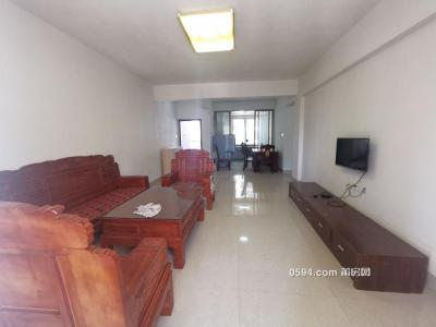 西坡小区安置房 4房2厅2卫 中档装修 家具家电齐全包物-莆田租房