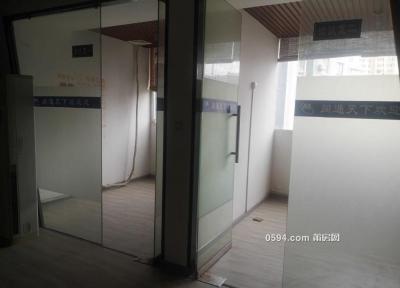 靠近万达广场宏基写字楼172平写字楼月付仅8000元-莆田租房