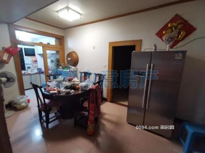 拱辰胜利北街精装4房2厅168平租3000元-莆田租房