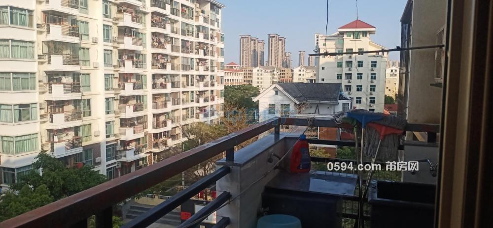南北东 信辉阳光新城 3房2厅2卫精装拎包入住128.65m²