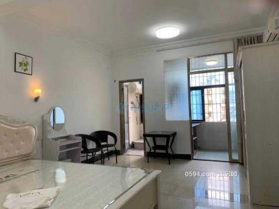 学园南街一房一厅拧包入住月租900-莆田租房