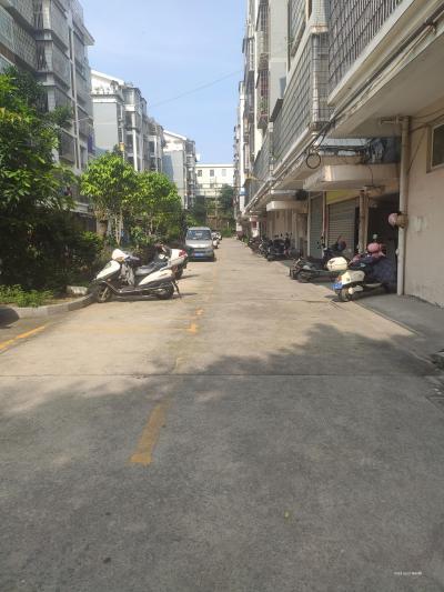 鳳達山莊小區內一樓135平方出租-莆田租房