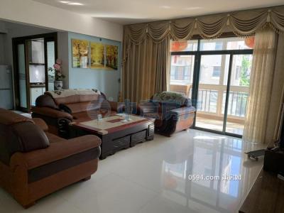 金威豪園--溫泉小區大三房--中層家電家具齊全僅租2900元-莆田租房