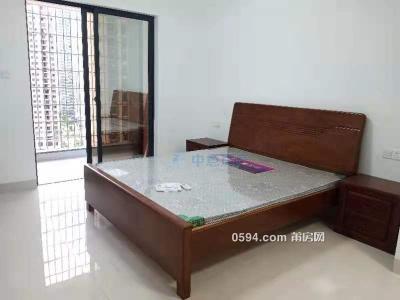 莆田二中附近140平套房3面采光3房出租,每月僅2000元-莆田租房