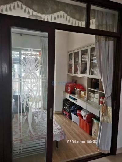 鳳達大廈四房精裝家具家電齊全直接擰包入住月租4200-莆田租房