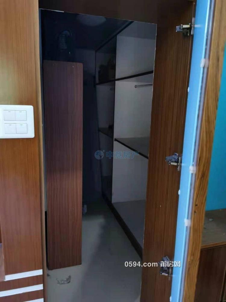 月塘筱塘街道附近學園南街市醫院附近中裝3房家具家電齊全