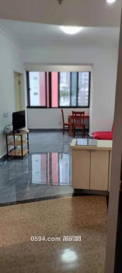 市政府对面三迪公馆1750元标准1室1厅1卫家具家电齐邻二实-莆田租房