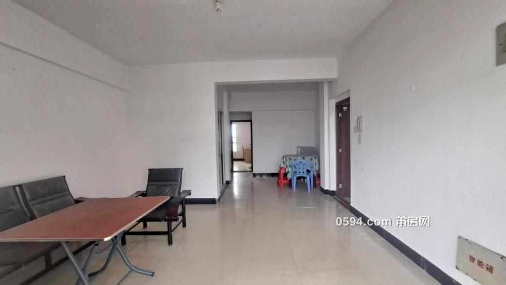 正荣时代广场 九五医院旁电梯房 2房2厅一阳台 拎包入住