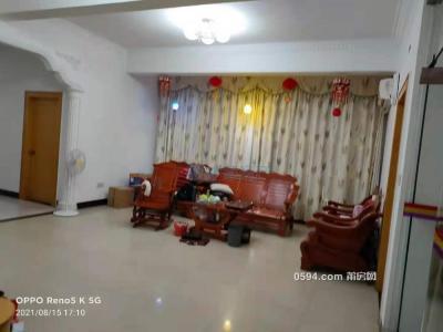 下磨路3房2廳3衛 面積140平租2800可以小刀-莆田租房