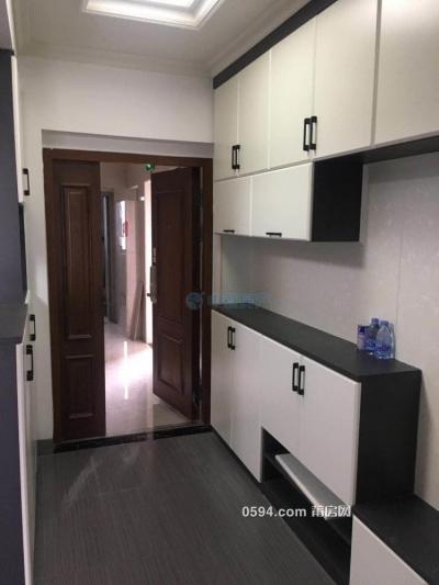 骏欧龙盘--中层精装修三房二厅--家电家具齐全仅租3000元-莆田租房