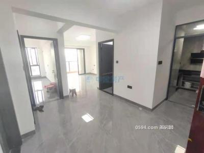 新光皇庭水岸B區94平全新精裝出租3房2廳,3400元-莆田租房